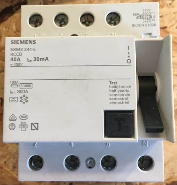 Frisk HPFI relæ – Hvorfor er din fejlstrømsafbryder ulovlig? XU-55